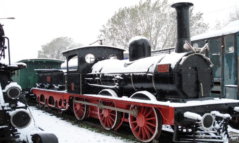 Най-стария запазен у нас парен локомотив № 148, произведен през 1848 г. в Манчестър, Англия