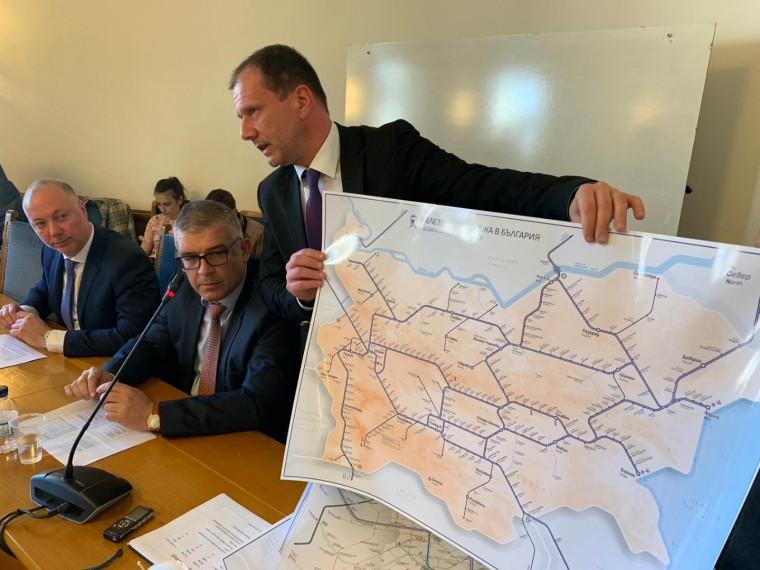 Управленският екип на БДЖ представи основните приоритети в работата си пред Комисията по транспорт, информационните технологии и съобщенията
