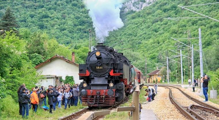 Парният локомотив Баба Меца ще пътува за Лазаровден и Цветница