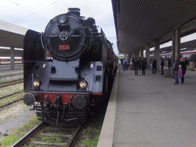 БДЖ организира още едно празнично пътуване с парен локомотив