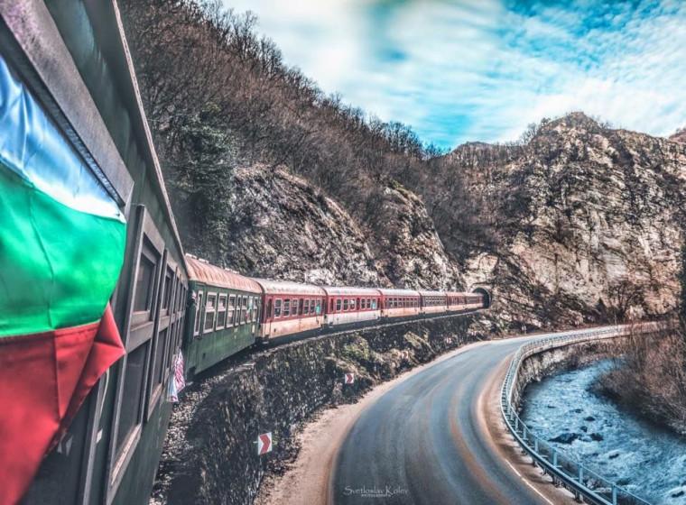 """БДЖ ще осигури допълнителни вагони във влак """"Родопи""""  от Септември за Добринище на 3-ти март"""