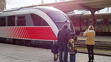 Възстановява се движението на двата крайградски влака Разлог-Добринище-Разлог