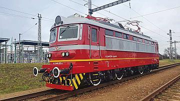 Първият изцяло обновен локомотив на БДЖ вече пътува по железопътната мрежа