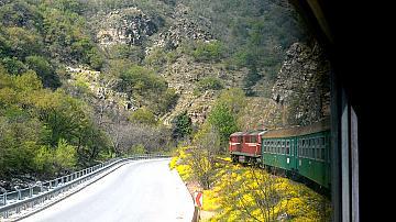 Специален влак отбелязва годишнина от пътуването на първия влак по теснолинейката