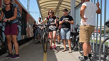 """БДЖ осигури превоза на участниците и техните велосипеди в колоездачния преход """"Дунав Ултра"""""""