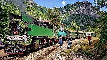 Билетите за пътуване с парен локомотив по теснолинейката вече са в продажба